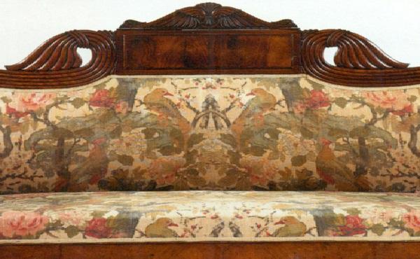 divano-in-noce-intagliato-piemonte-xix-secolo