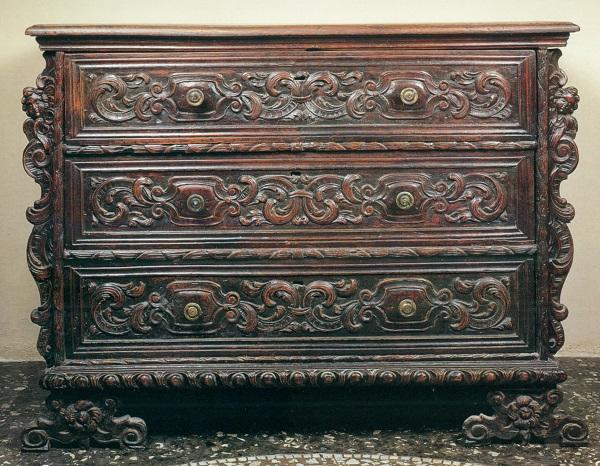 cassettone-veneto-feltre-xvii-secolo