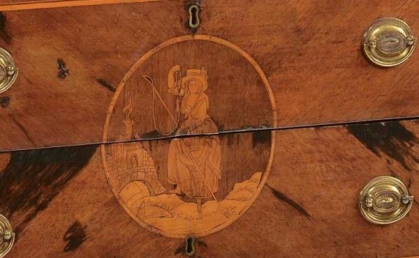 cassettone-neoclassico-intarsiato-lombardo