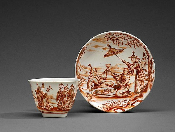 tazza-piattino-berner-goldfondservice-porcellana-meissen-1720-abraham-seuter-1740