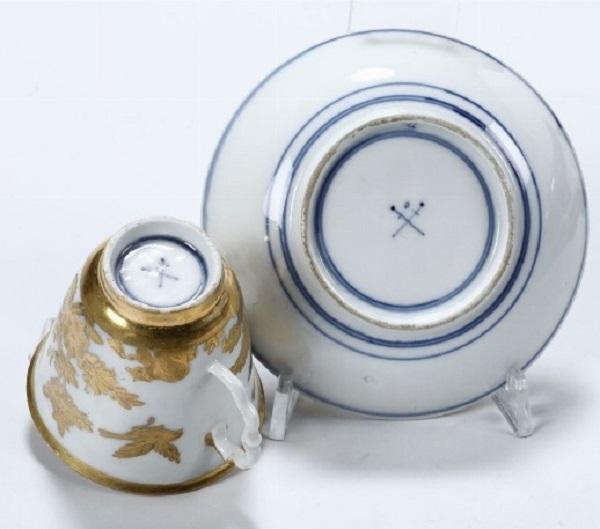 seuter-porcellana-oro-radiert-meissen-1730-1740-marchi