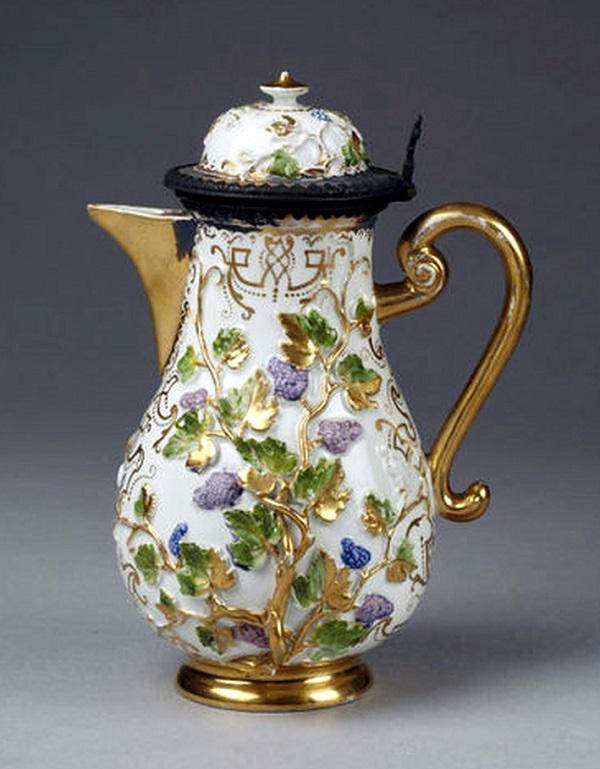 caffettiera-porcellana-meissen-1720-johann-auffenwerth-1725-londra-victoria-albert