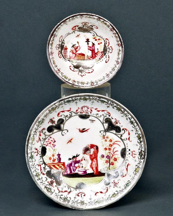 tazza-piattino-porcellana-meissen-1720-1725-johanna-auffenwerth-1725