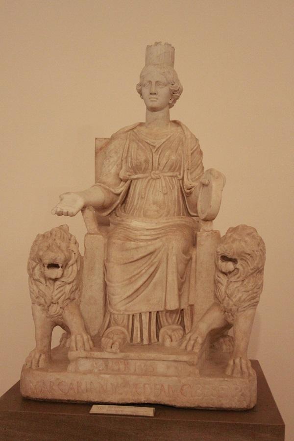 cibele-marmo-arte-romana-iii-secolo-dc-napoli-museo-archeologico nazionale