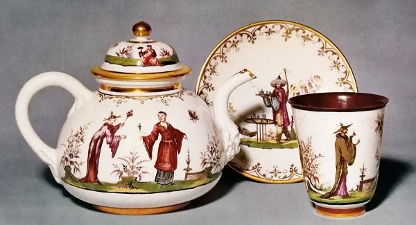 teiera-porcellana-meissen-1720-25-becher-piattino-porcellana-bayreuth-1737-1744-dannhöfer-zurigo-ducret