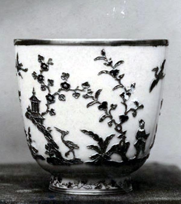 becher-porcellana-meissen-1715-vienna-mak