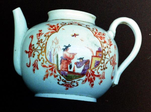 teiera-porcellana-doccia-1740-carl-anraiter-museo-richard-ginori-sesto-fiorentino
