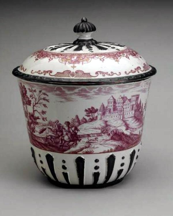 jakob-helchis-contenitore-porcellana-du-paquier-1730-londra-british-museum