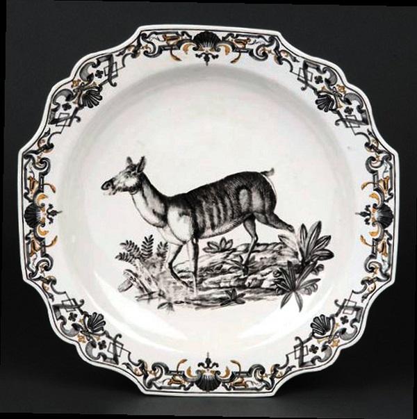vassoio-porcellana-du-paquier-1735-1740-toronto-gardiner-museum