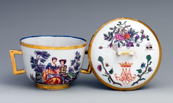 carl-wendelin-anreiter-tazza-porcellana-du-paquier-1730-met-new-york