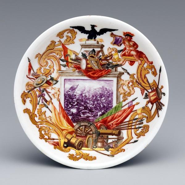 piatto-da ecuelle-manifattura-du-paquier-1720-1725-ignaz-bottengruber-1726-met-new-york
